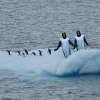 Two Canadians are running the Antarctica Half Marathon in penguin onsies