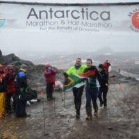 First Blind Runner Conquers the 2014 Antarctica Marathon