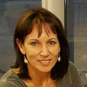 Leonie Stander
